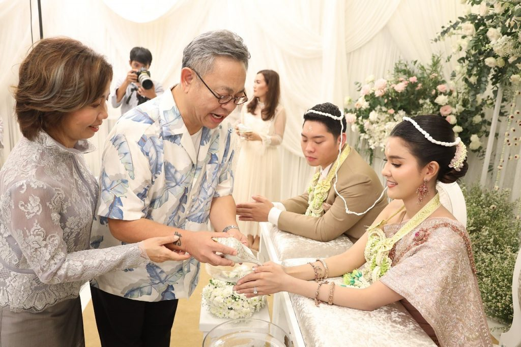 งานแต่งงาน เปาเอิร์ธ